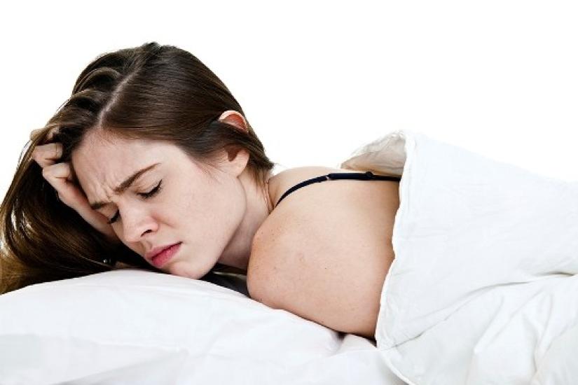 Главоболие при безсъние и как да се справим с него