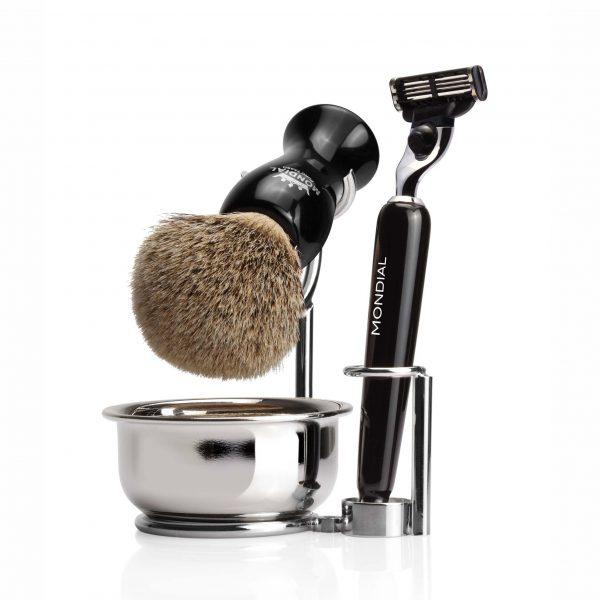 Наклонена поставка за бръснарска четка с купа и място за бръснач. Качествен материал и дизайнерска изработка.